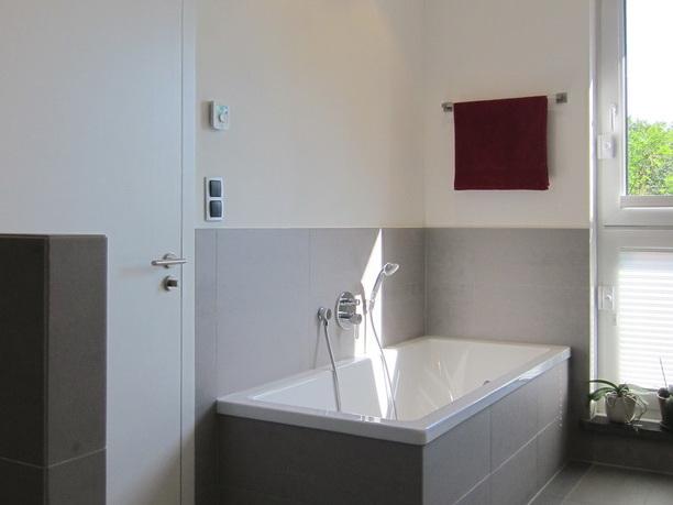 Ehemaliges Jugendheim - Wanne im Bad