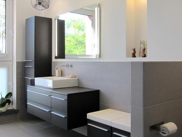 Ehemaliges Jugendheim - Waschplatz im Bad