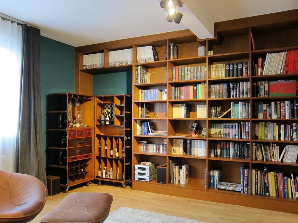 Bibliothek unterm Dach - Hausbar