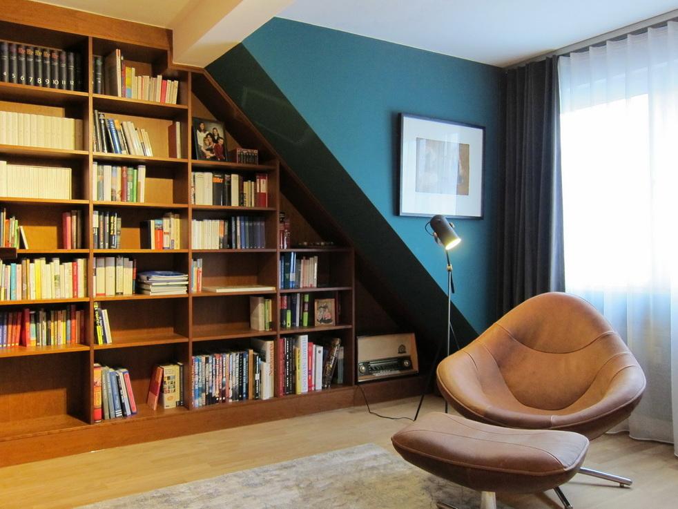 Bibliothek unterm Dach - Sitzplatz