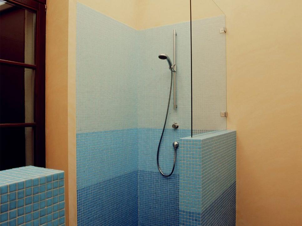 Umnutzung im Altbau - Dusche im Bad