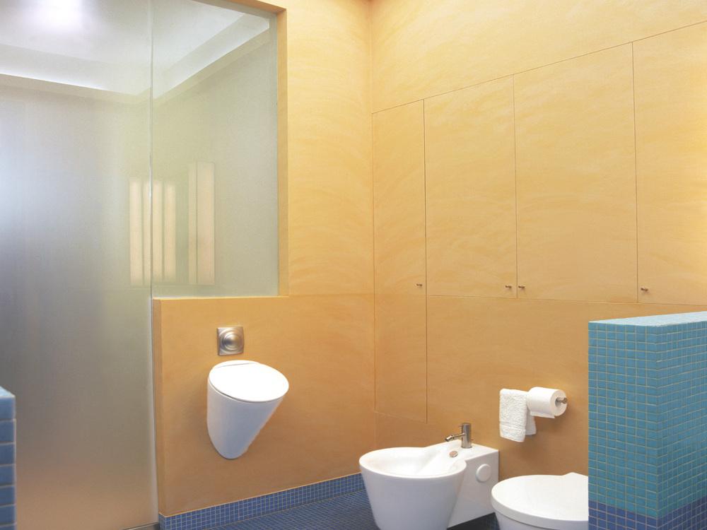 Umnutzung im Altbau - Urinal, Bidet und WC