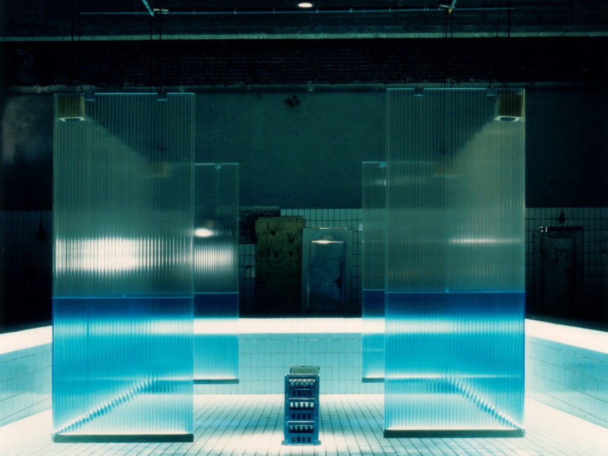 Lichtschwimmerbecken im Agrippabad - Vorderseite