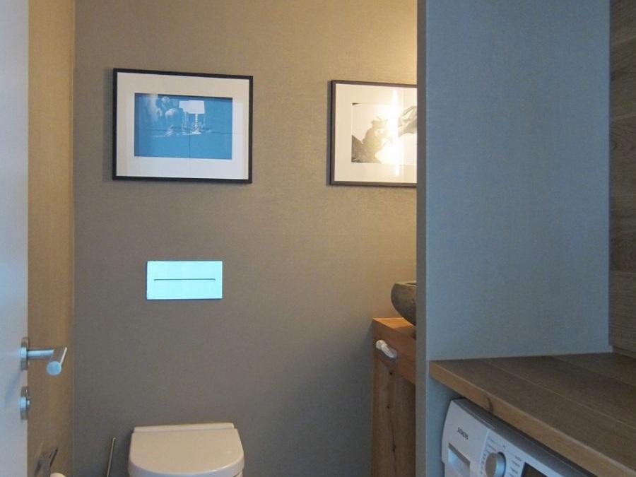 Gäste-WC mit Waschmaschine