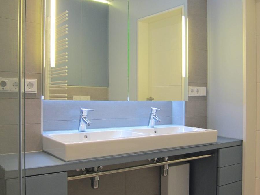 Viel Bad auf wenig Raum - Doppelwaschtisch