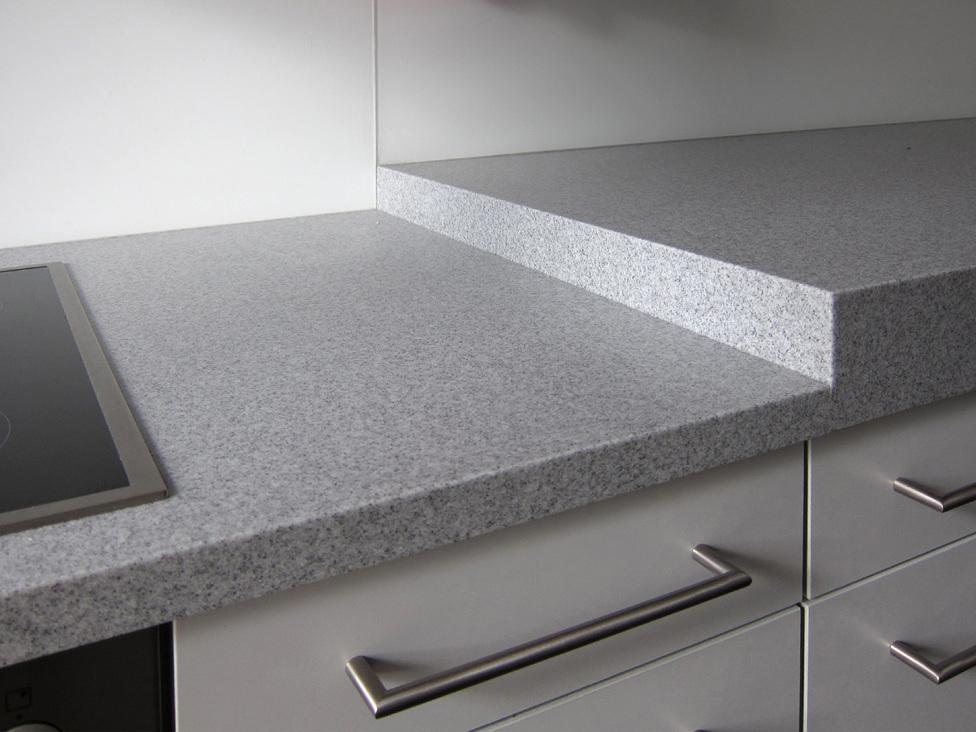 Funktionale Küche mit zwei Höhen - Detail Arbeitsplatte