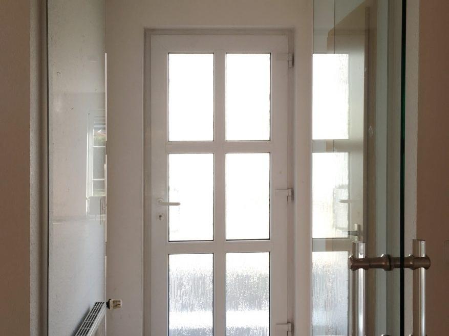 Eine Küche öffnet sich - Eingang vorher