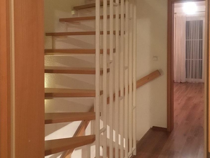 Eine Treppe verschwindet - Treppe vorher im OG